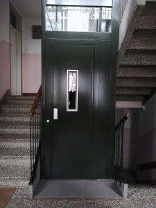 2019 02 03 img 20190129 082000 225x300 225x300 - NOVI TEDNIK: Vgradnja dvigal - za lažji korak v prihodnost